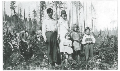 Stovall family, including parents and three young children, in Kings Valley, circa 1930.